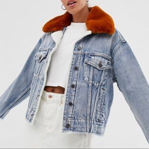 BRAND NEW Jean Jacket with removable fur